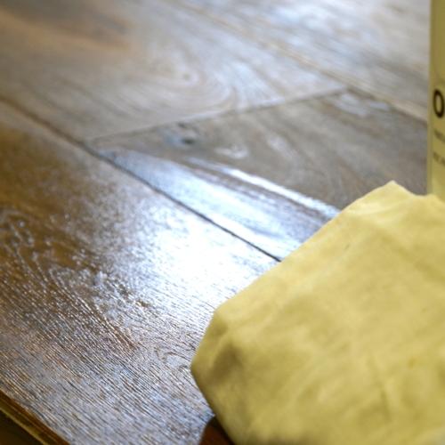 Prodotti per la manutenzione di pavimenti oliati